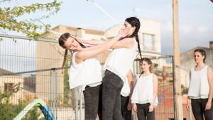 Alumnes de DansAra durant la mostra de ball que van oferir a Sarral per celebrar el Dia Internacional de la Dansa 2016.
