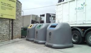 Imatge d'una de les noves illes de contenidors.