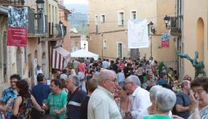 Els carrers de Barberà de la Conca plens de visitants, l'any passat.