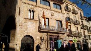 Imatge de la façana de la Casa de la Vila del 25 de novembre al matí.
