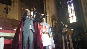El conseller Toni Comín tancava la festa i recollia l'espasa d'honor de l'entitat.