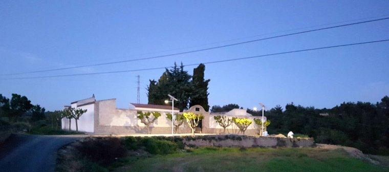 Rocafort aposta per l 39 estalvi energ tic amb fanals solars for Piscina municipal martorell