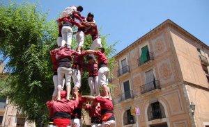 Cinc de sis dels Torraires a la plaça Major de Montblanc.