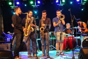 L'Arrevaló Jam Session va posar música a la primera nit d'Essències