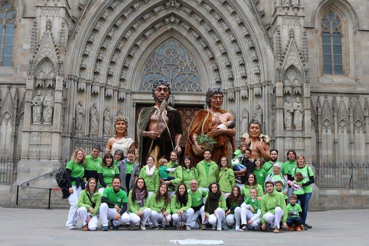 Foto de família de la colla a Barcelona.