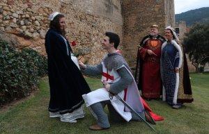 Molts visitants demanen informació del Montblanc medieval.