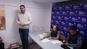 Marc Vinya parlant amb la militància el dia que va ser escollit alcaldable del PDECat a Montblanc.