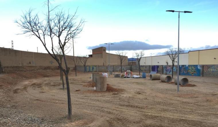 L'equipament, on els gossos podran jugar i córrer, està situat al polígon industrial Les Tres Eres, rere l'empresa d'aluminis.