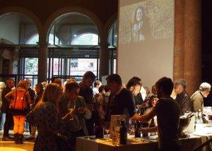 Els assistents van poder conèixer de primera mà lacinquantena de vinsproposats pels 17 cellers.