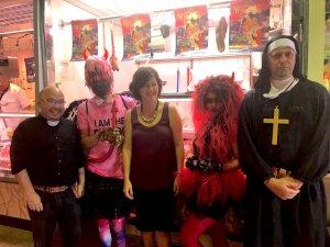 Organitzadors del Festival Fantosfreak acompanyats per la regidora de Cultura, Elvi Vila