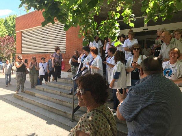 Part de la concentració davant del CAP de Serraparera
