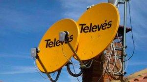 Antenes parabòliques d'una comunitat de veïns