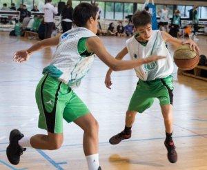 Jugadors i jugadores de totes les edats han gaudit de l'esport de la pilota