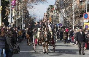 Els cerdanyolencs i cerdanyolenques han vist com un bon grapat de carros i animals desfilaven pels carrers de Cerdanyola.