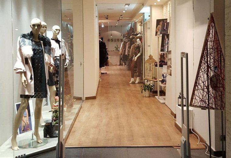 Entrada de la botiga Oshun a Cerdanyola del Vallès.