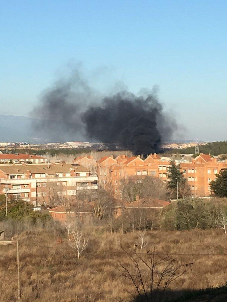 L'incendi entre Cerdanyola i Sant Cugat