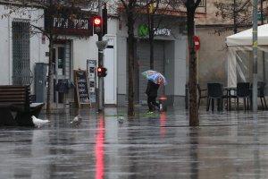 Imatge de la plaça de l'Abat Oliba un dia de pluja