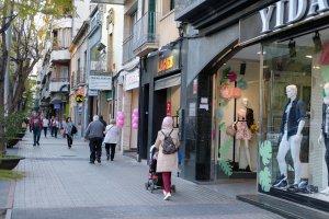 L'Avinguda de Catalunya de Cerdanyola, una de les zones comercials de la ciutat