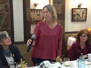 Neus Munté durant el Sopar de Dones del PDeCAT a Cerdanyola