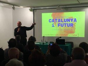 Un moments de la xerrada de Tresserras a l'Ateneu