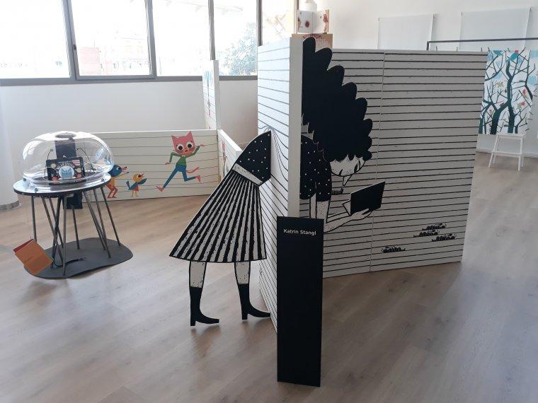 La exposició mostra una nova forma de lectura entre imatges i paraules