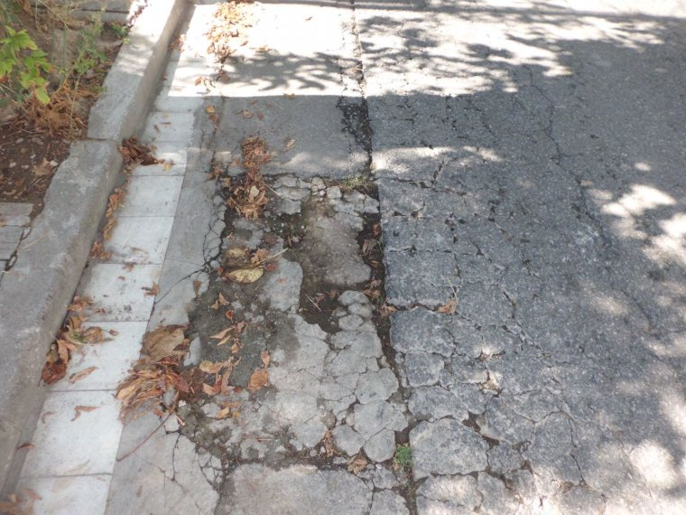 Tros d'asfalt de Montflorit