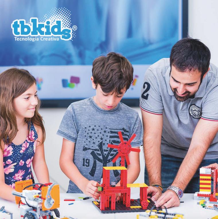 Les activitats extraescolars de tecnologia creativa que ofereix TbKids són innovadores amb un mètode d'aprenentatge propi interactiu i dinà mic