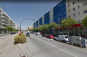 La carretera de Barcelona, un dels carrers més comercials de Cerdanyola