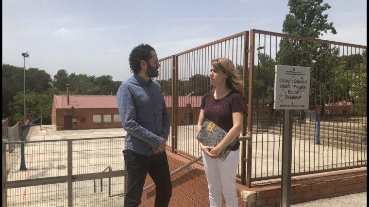 Els regidors d'ERC, Iñigo Enterria i Helena Solà a l'Escoleta