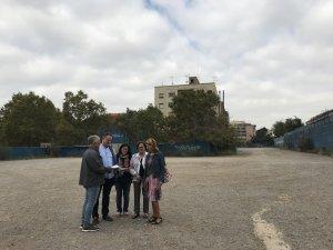 Antonio Buzón, Luis Toledano, Emilia Garcia, Conchita Burruel i Antonia Garcia són veïns de Santa Teresa.