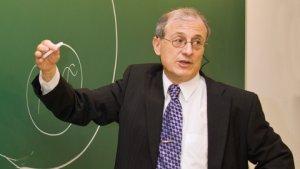 El Dr Escrich investiga el càncer de mama des de fa més de 30 anys