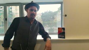 L'escriptor cerdanyolenc Danny Romero ha trobat en el seu estil: el suspens.