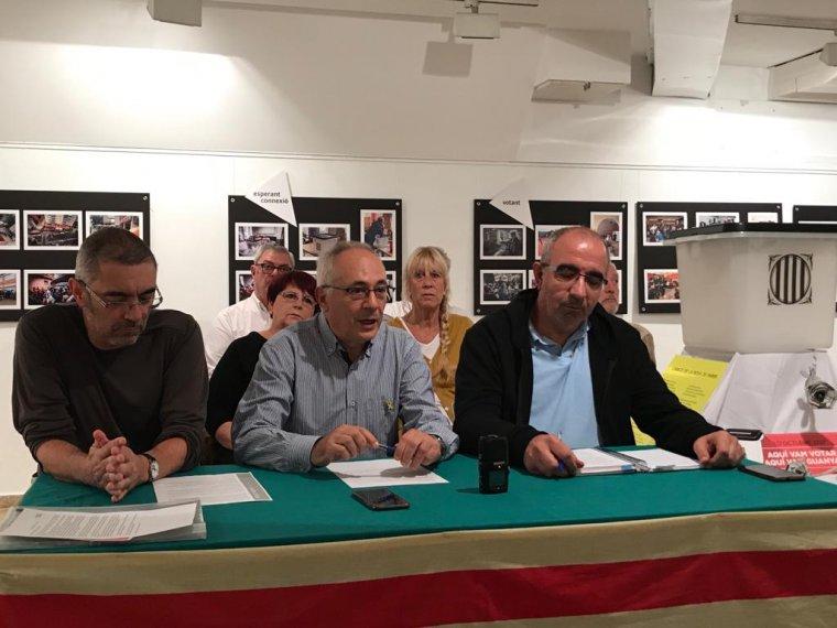 Els membres de l'ANC de Cerdanyola durant la roda de premsa de presentació de les Primàries