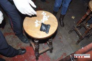 Embolcalls amb substàncies estupefaents trobades al bar de Ripollet