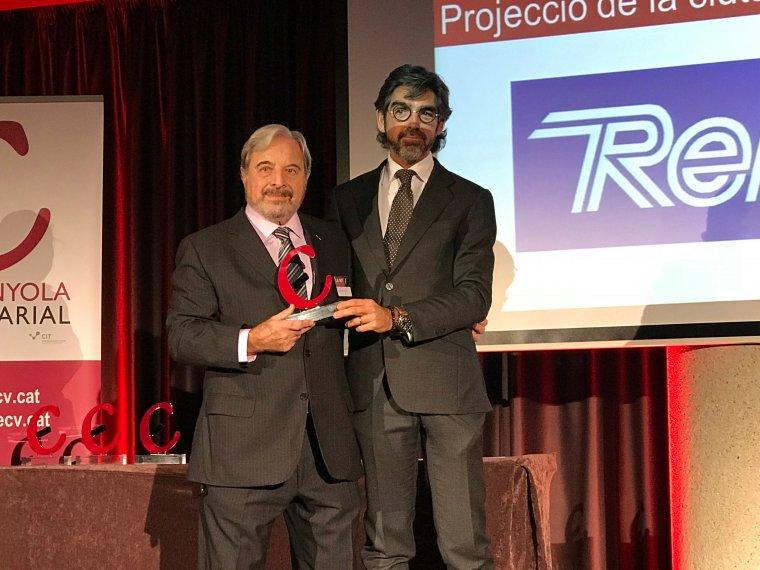 Josep Vigueras recull el premi que reconeix la tasca de l'empresa de material esportiu Reno