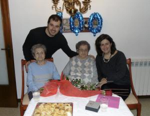 La seva germana Margarita, de 96 anys, també va anar a la festa.