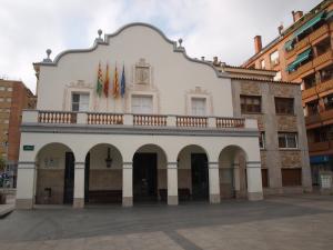 Façana de l'Ajuntament de Cerdanyola