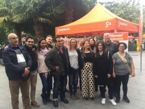 L'agrupació de Ciutadans a la plaça de l'Abat Oliba