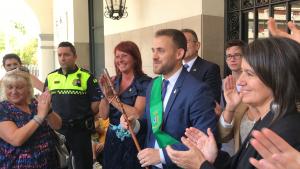 Carlos Cordón i altres regidors del PSC a la sortida del ple d'investidura