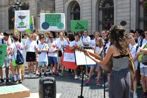 Fridays for Future porta mesos convocant als estudiants de secundària a la vaga pel clima cada divendres.