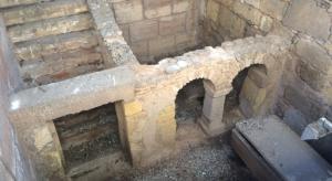Imagen de las criptas de la necrópolis.