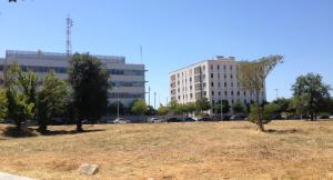 Els terrenys on s'ubicarà el nou centre penitenciari obert, a Tarragona, al costat de les dependències de la Guàrdia Civil.