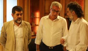 Jordi Sànchez (ANC), l'alcalde Josep Fèlix Ballesteros i Jordi Cuixart (Òmnium), a l'Ajuntament de Tarragona.