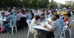 La recaptació de la paellada popular anirà destinada a entitats benèfiques del municipi.