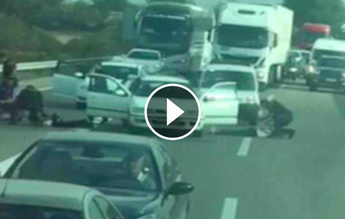 Vídeo de la espectacular detención de tres ladrones en plena AP-7 en Vila-seca