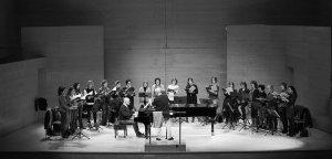 Cor Scherzo amb Albert Guinovart al piano i Jordi Casas a la direcció