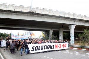 Imatge d'una concentració per demanar la retirada dels camions de gran tonatge de l'N-340