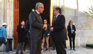 Josep Fèlix Ballesteros i Enric Millo, aquest migdia davant l'Ajuntament de Tarragona.