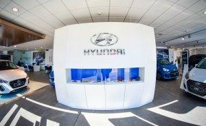 Professionals del sector automobilístic us atendran a Augusta Car Tarragona.
