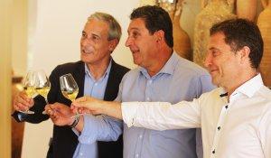 D'esquerra a dreta: Josep Bertran (Repsol), Josep Lluís Grogués (DO Tarragona) i Jaume Salvat (URV).